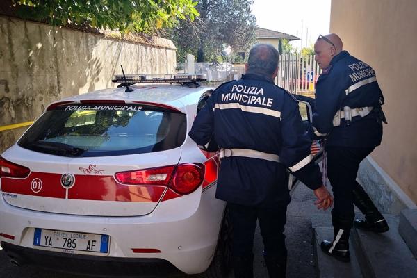 Arrestato parcheggiatore abusivo dalla Polizia Municipale